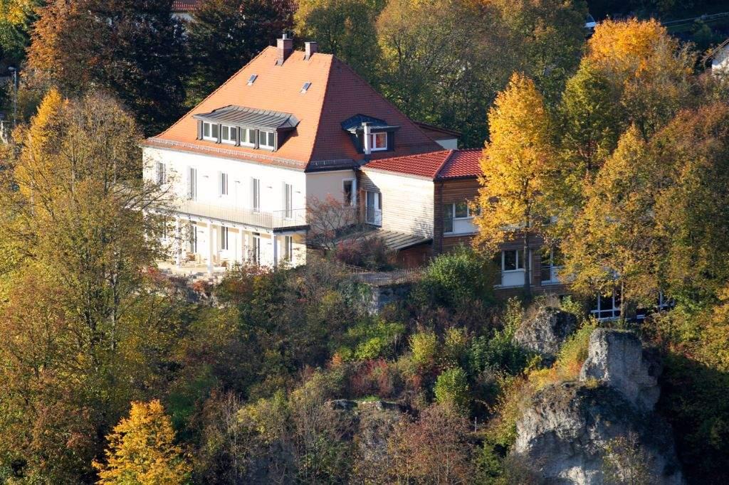 GER-Haus Im Herbst Totale