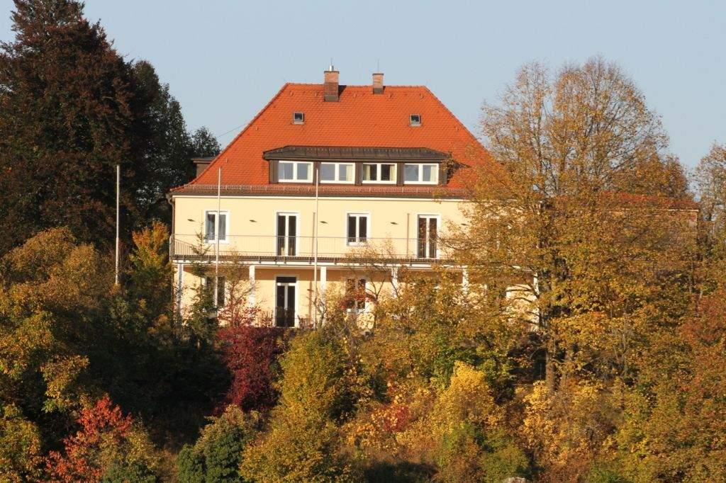 GER_Haus_im Herbst (7)
